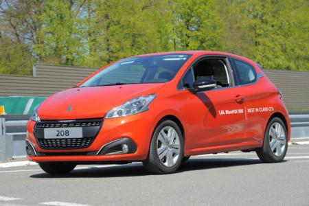 Más de 2.000 km con un depósito en un Peugeot 208