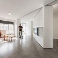 Casa MJE, una casa que se transforma gracias a unos muebles móviles