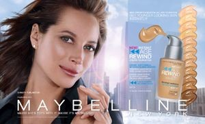 Christy Tulington regresa a Maybelline