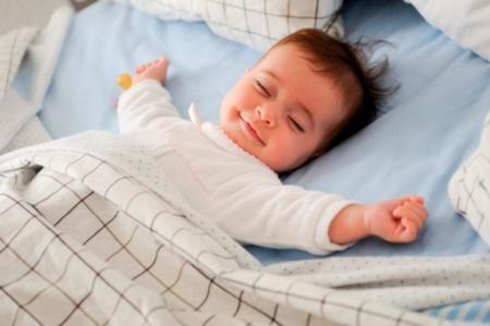 Dormir poco en la infancia puede causar sobrepeso u obesidad en adultos