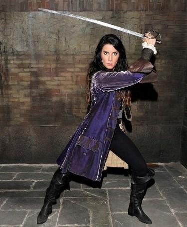 Pilar Rubio... ¿de profesión pirata o payasa? En diez capítulos desvelaremos el misterio