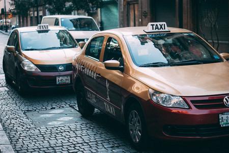 Los taxistas de la CDMX realizan otra enorme manifestación en contra de Uber y Cabify, el problema sigue sin solución