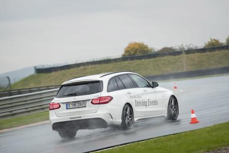 Así es un curso de conducción de Mercedes-Benz y Bridgestone en Sachsenring
