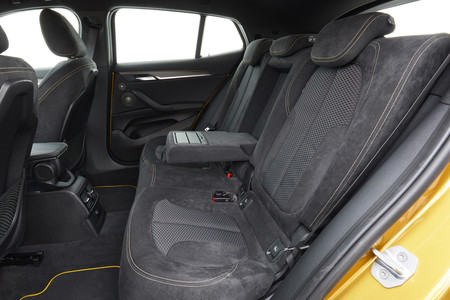 BMW X2 plazas traseras