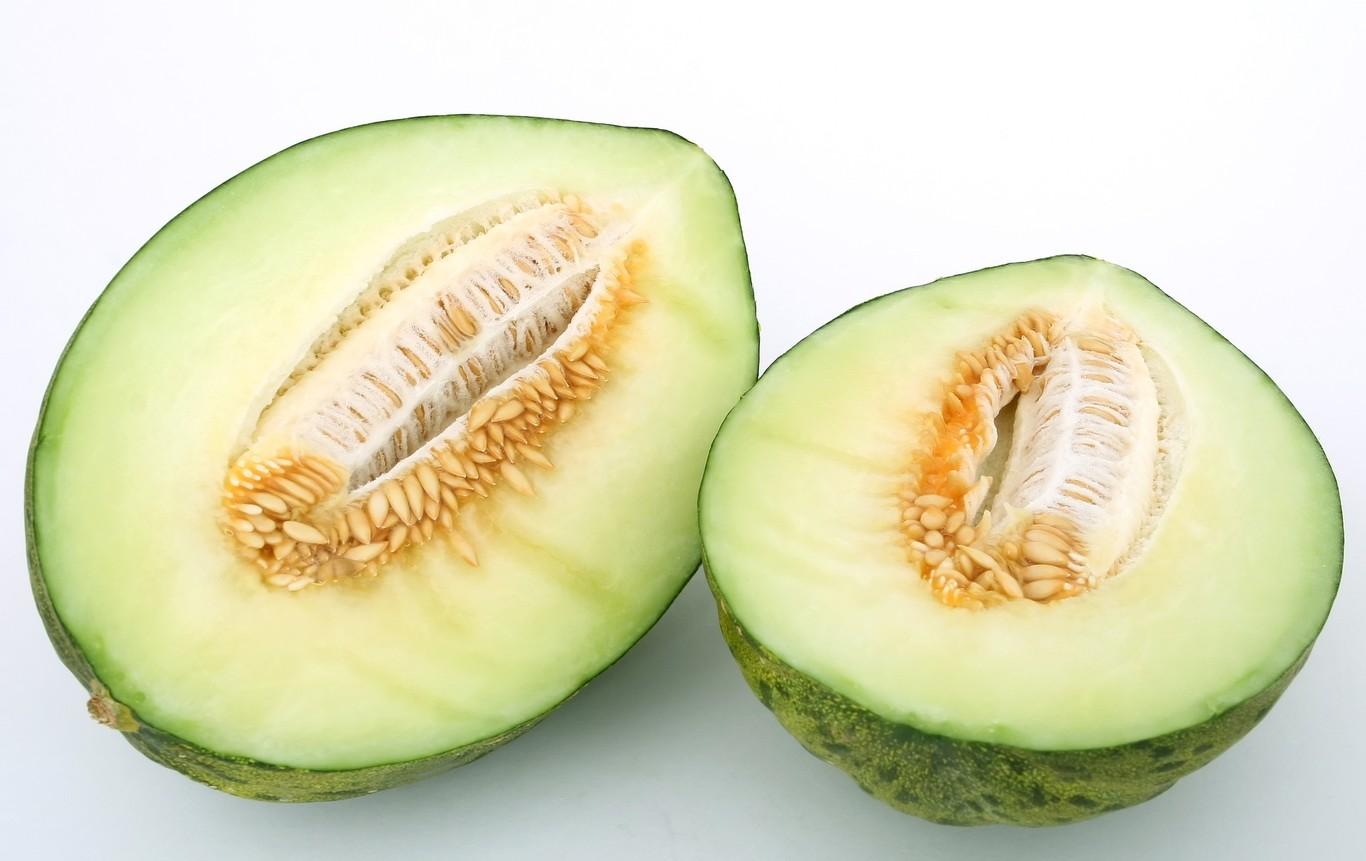 El melón, el rey del verano: tres sopas frías y cinco ensaladas para sacarle el máximo partido cuando suben...