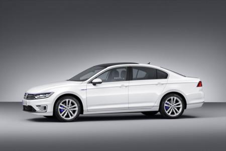 Con este precio no parece que Volkswagen quiera vender muchos Passat GTE