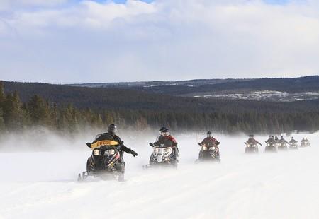 Snowmobiles 2108758 1280