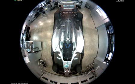Nico Rosberg busca su casco robado