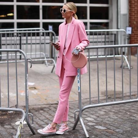 21 prendas rosa para vestir el color de la temporada de lunes a domingo