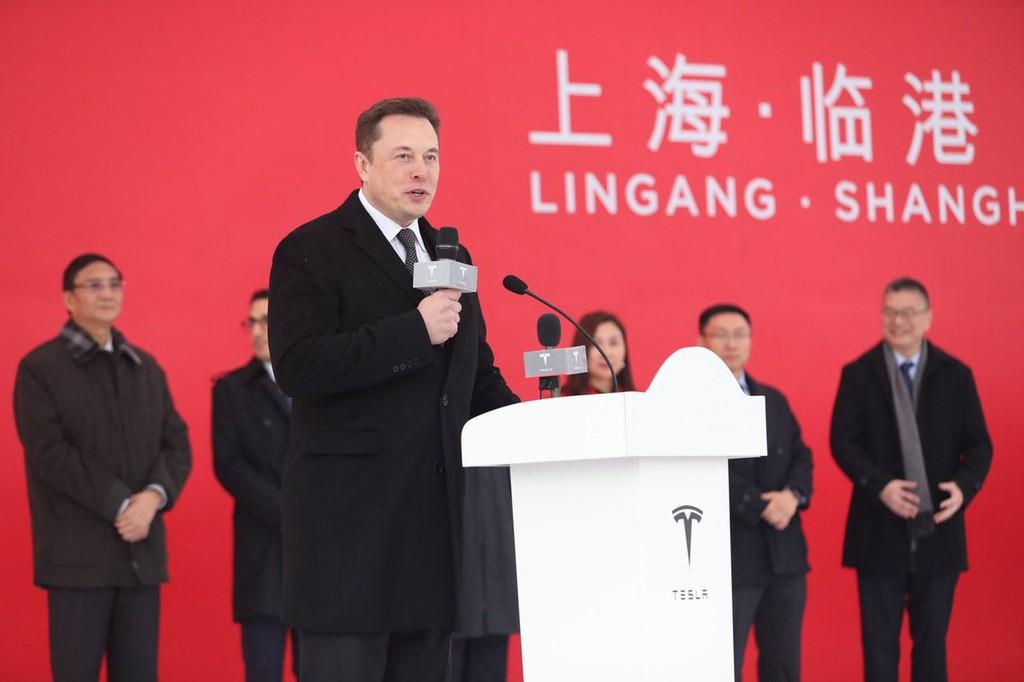 Elon Musk tienen un nuevo tanque de oxigeno: el Tesla Model 3 'made in China' ya está aquí para impulsar las ventas
