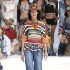 Foto 4 de 24 de la galería desigual-ha-sido-la-firma-encargada-de-inaugurar-la-primera-edicion-de-la-pasarela-mercedes-benz-fashion-week-ibiza en Trendencias