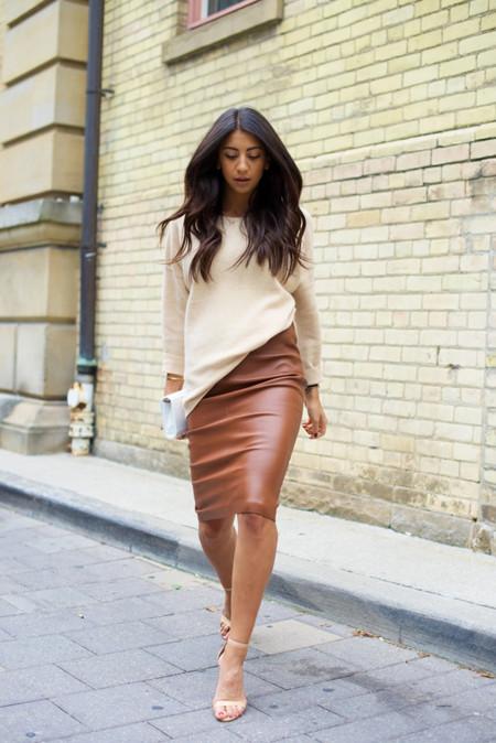 4b3ced6a98 Cómo lucir una falda lápiz sin parecer aburrida (y cumpliendo el con ...
