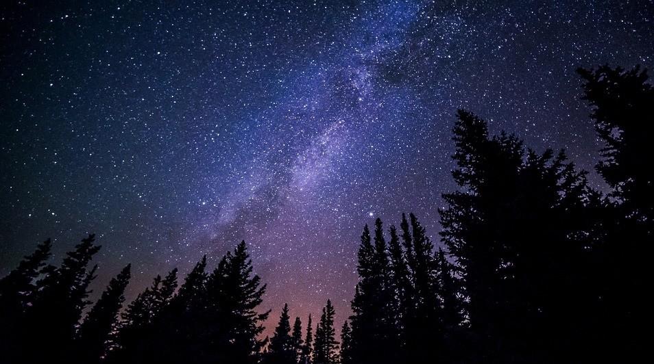 ¿Te atreves a experimentar con la fotografía nocturna? Aprovecha el verano y fotografía las estrellas
