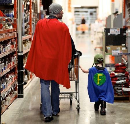 Todos los padres son super héroes para sus hijos