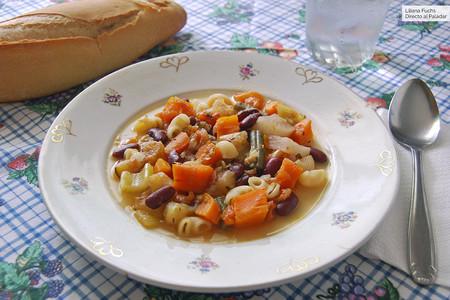 Verduras guisadas con alubias y pasta: receta vegetariana saludable y completísima