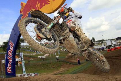 Mundial de Motocross en Francia, golpe de efecto