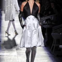 Foto 25 de 61 de la galería chanel-alta-costura-otono-invierno-2012-2013-rosa-gris-brillos-y-nuevo-vintage en Trendencias