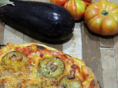 Pizza de berenjena y bacon. Receta
