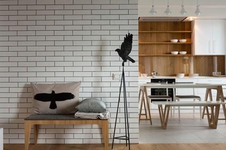 Puertas abiertas: un moderno apartamento en Kiev en blanco y gris, con detalles de la naturaleza