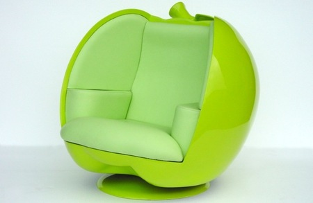 Un sofá con forma de manzana, ¿o debería llamarle iSofá?