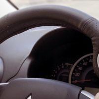 Dentro de poco podrás manejar el móvil desde un ratón en el propio volante del coche