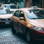 Se implementarán taxímetros con GPS y app móvil en Ciudad de México, pero los taxistas protestan