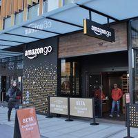 """Las tiendas de Amazon Go sin cajas tendrán que implementar cajas y aceptar pagos en efectivo para no ser """"discriminatorias"""""""