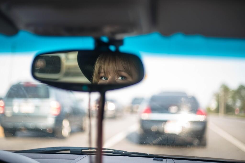 El efecto elefante del que alerta la DGT: qué es, por qué es peligroso y cómo podemos evitarlo en el coche