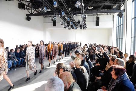 Sobria elegancia de la mano de Calvin Klein Collection y su colección Otoño-Invierno 2016/2017