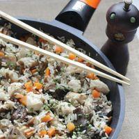 Arroz salvaje con pollo y setas, una receta ligera, económica y resultona