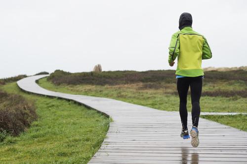 ¿Eres corredor? Así debes prepararte para entrenar con frío