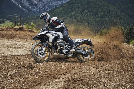 BMW R 1250 GS 2019: La reina se refuerza con 136 CV, 143 Nm y distribución variable