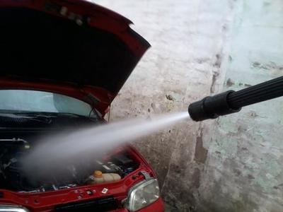 Tips para lavar el motor de tu auto