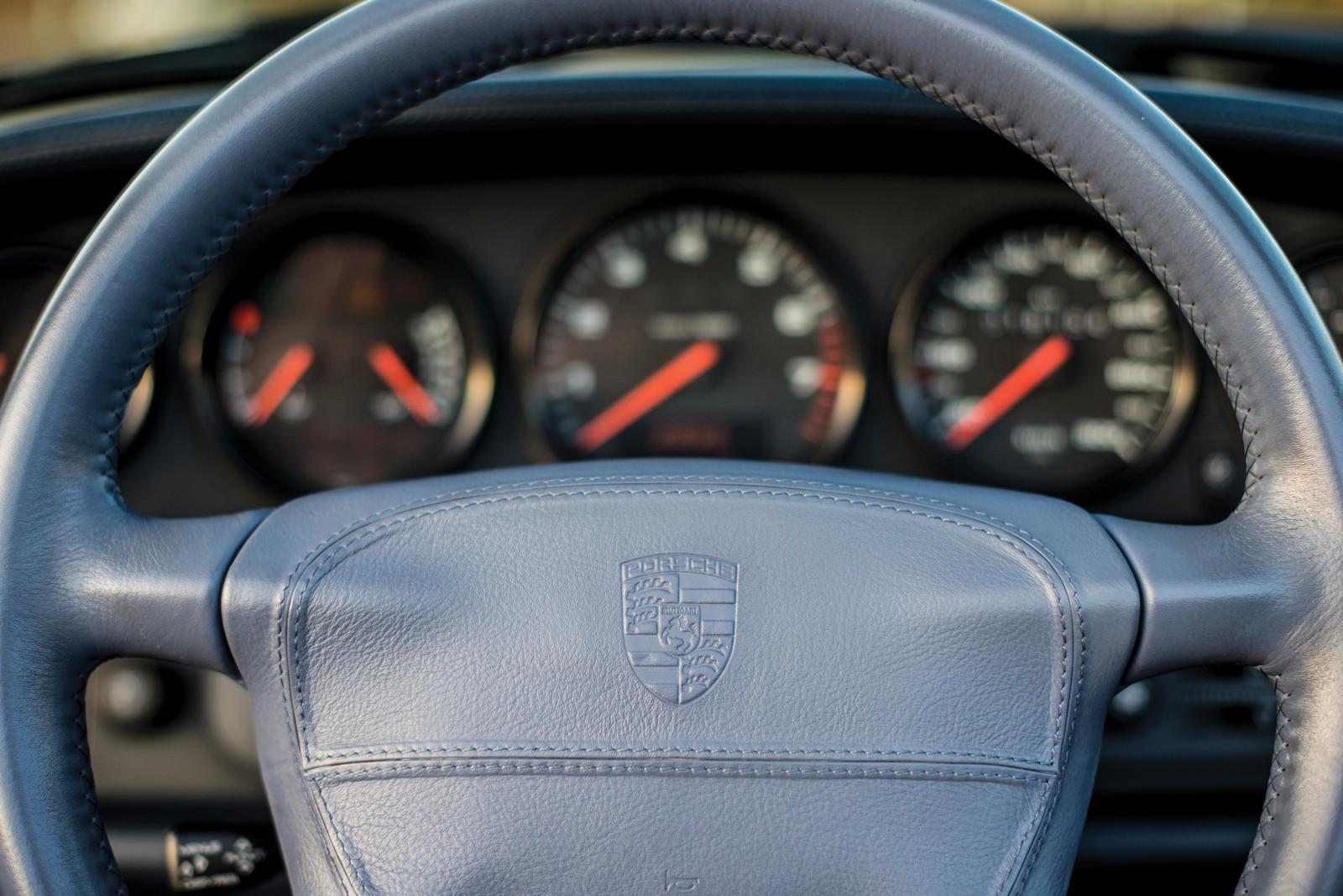Foto de Porsche 993 Turbo Cabrio (13/18)