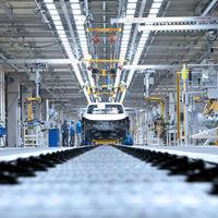 El sector automovilístico vuelve a rodar: todos los coches que vuelven a fabricarse en España, del SEAT León al Renault Captur