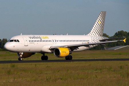 La low cost de Iberia o Vueling deben reaccionar rápido ante la caída de Spanair