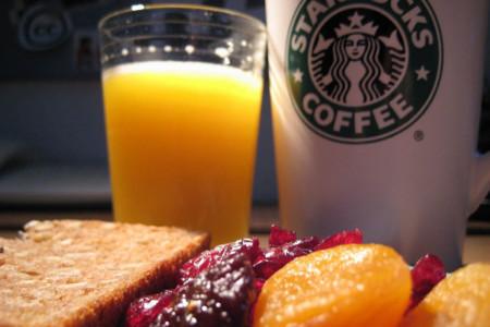 Suma líquidos a tu desayuno