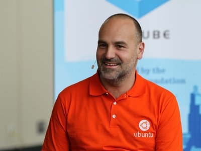 Mark Shuttleworth explica por qué Ubuntu abandonó Unity