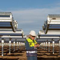 Apple anuncia un fondo de 300 millones de dólares para promover la energía renovable en China