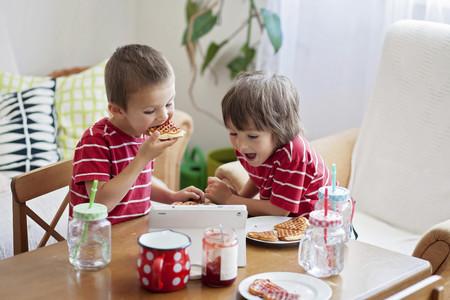 Hábitos alimenticios en niños: los padres no lo estamos haciendo bien