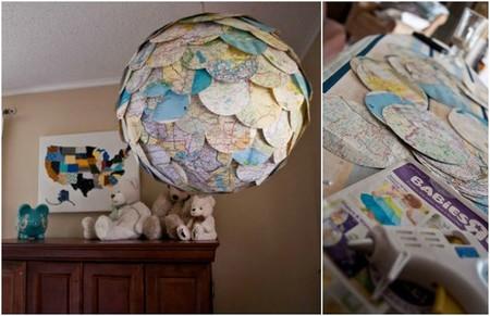 lámpara hecha con mapas para el dormitorio infantil