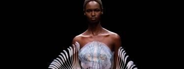 Iris van Herpen presenta su colección Alta Costura 2021: una oda a la magia y a la fantasía