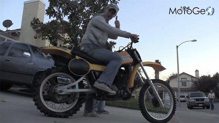 Jamie Robinson, compitiendo con una Yamaha YZ400 de 1979
