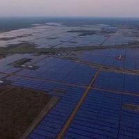 Con 2,5 millones de módulos solares, India presenta la planta fotovoltaica de mayor capacidad en el mundo