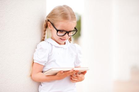 Los niños españoles menores de siete años son más miopes por el uso de las pantallas