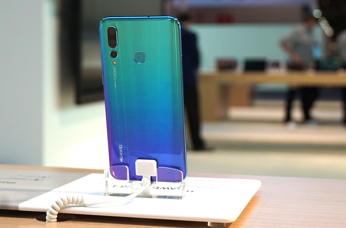 Las aplicaciones de Facebook dejarán de estar preinstaladas en los nuevos móviles de Huawei, según Reuters