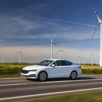 Nuevo Škoda Octavia iV: la versión híbrida enchufable del superventas checo llega con 60 km de autonomía y parte de 35.650 euros