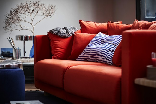 Ikea Coleccion Stockholm 2017 Ph141724 Sofa 3 Plazas Naranja Cojin Azul Blanco Lowres