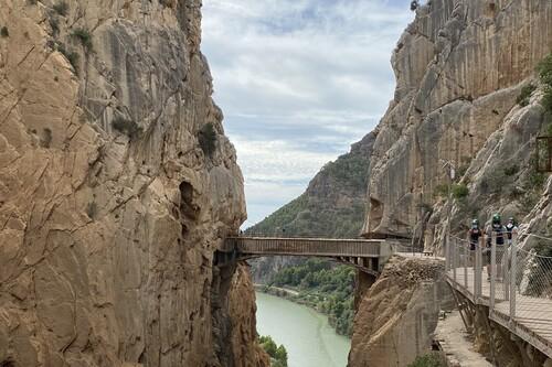Un recorrido por el Caminito del Rey, con mascarillas y gel hidroalcohólico