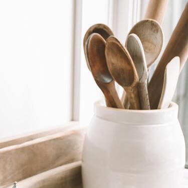 La madera, nuestro mejor aliado en la cocina: utensilios para no dañar nuestras sartenes y ollas al cocinar